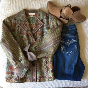 COLDWATER CREEK Embroidered blazer. Size P12.